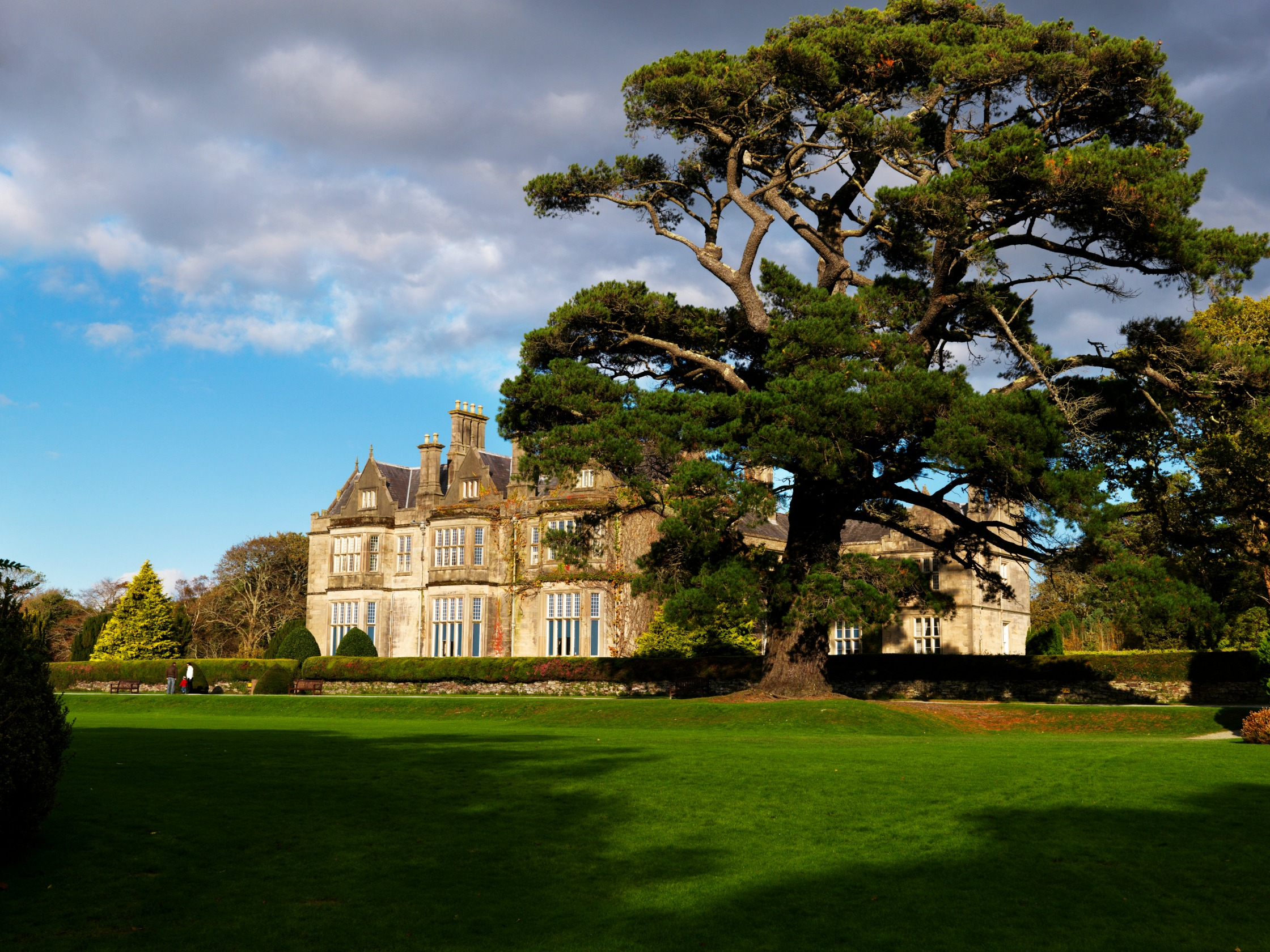 killarney holiday cottages muckross house amp traditional